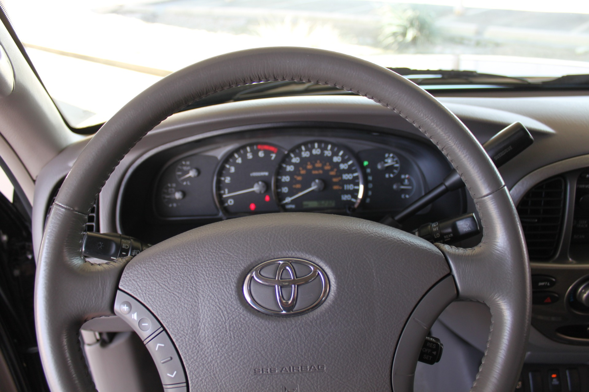 Used-2005-Toyota-Sequoia-Limited-Land-Rover