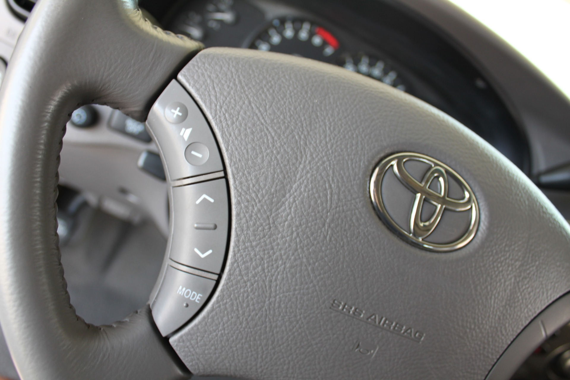 Used-2005-Toyota-Sequoia-Limited-Classic