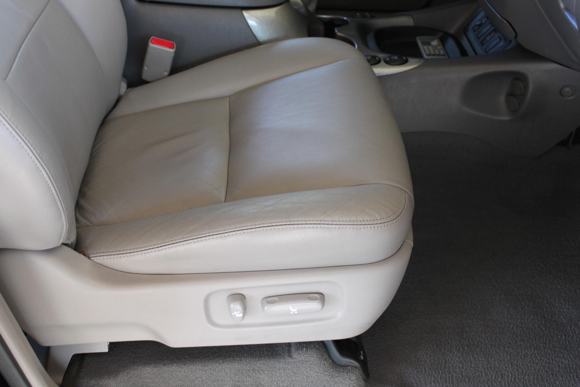 Used-2005-Toyota-Sequoia-Limited-Audi