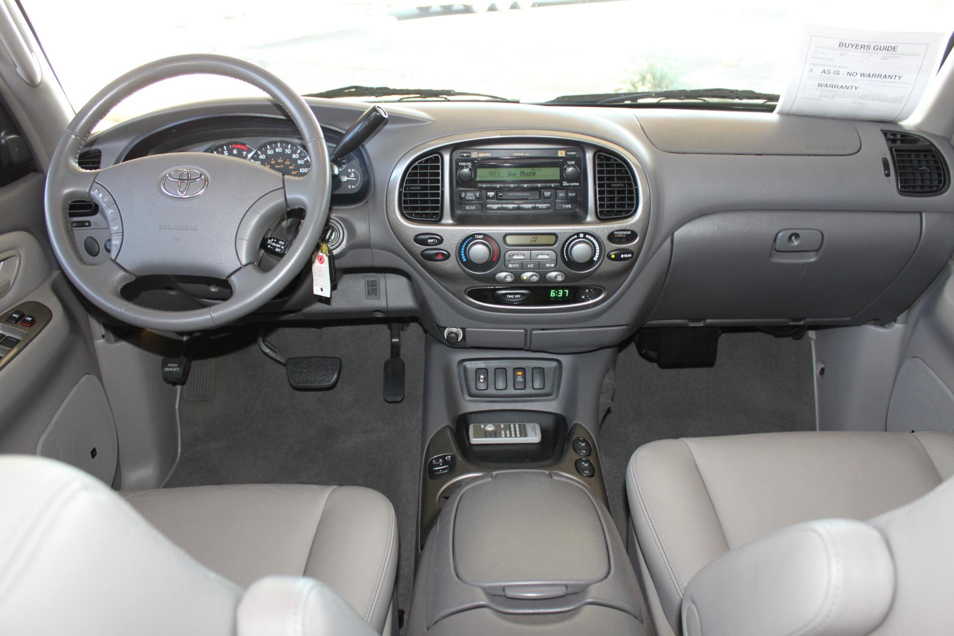 Used-2005-Toyota-Sequoia-Limited-vintage