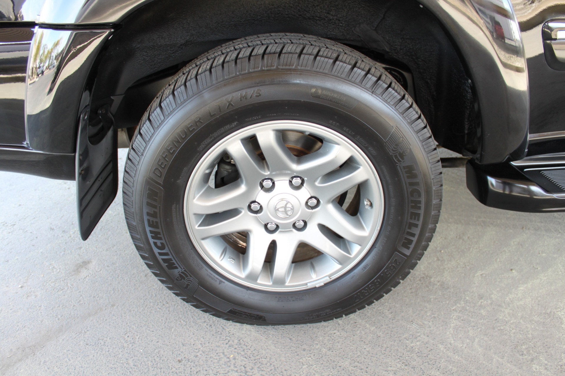Used-2005-Toyota-Sequoia-Limited-XJ