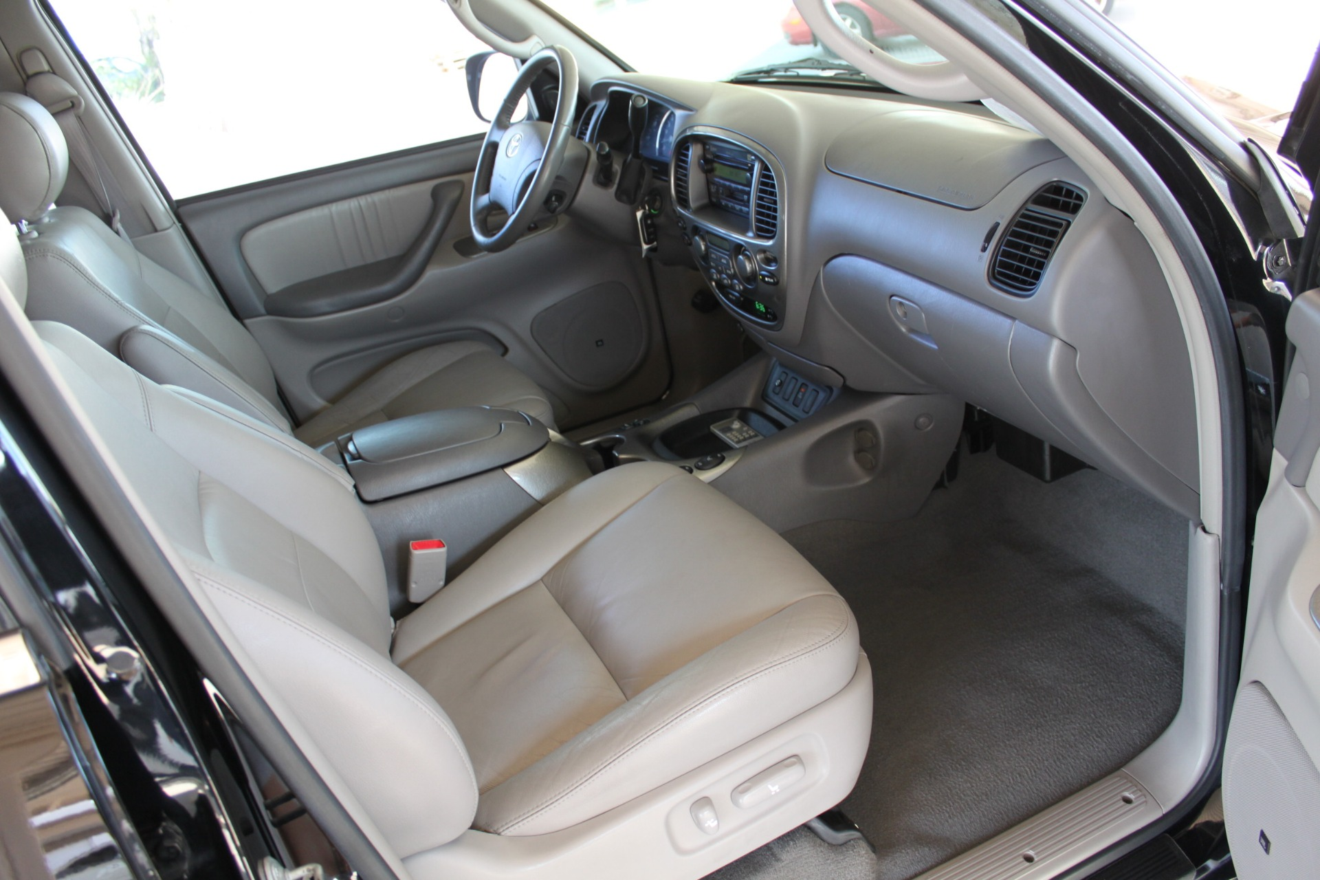 Used-2005-Toyota-Sequoia-Limited-BMW