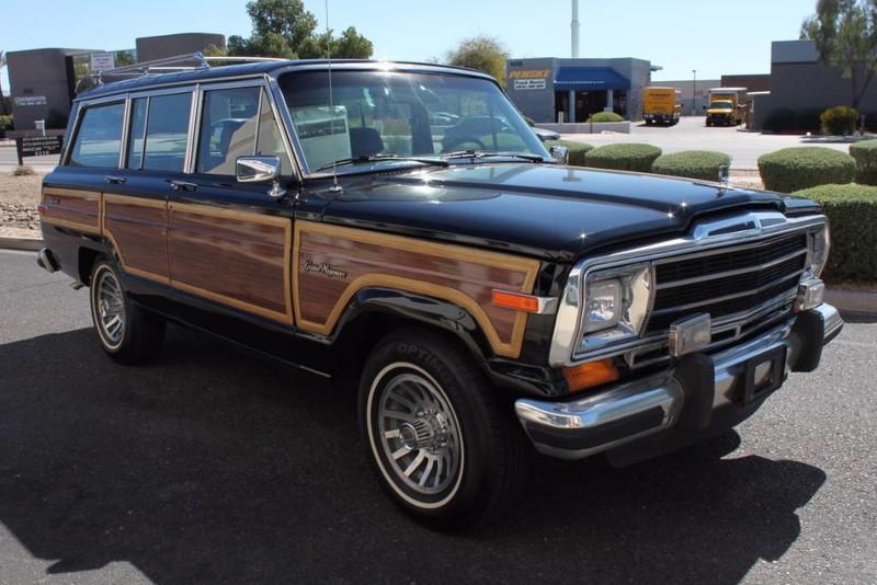 Used-1988-Jeep-Grand-Wagoneer-Limited-4X4-Wrangler
