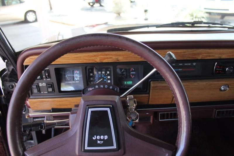 Used-1988-Jeep-Grand-Wagoneer-Limited-4X4-Fiat