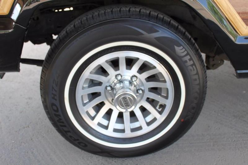 Used-1988-Jeep-Grand-Wagoneer-Limited-4X4-Jaguar