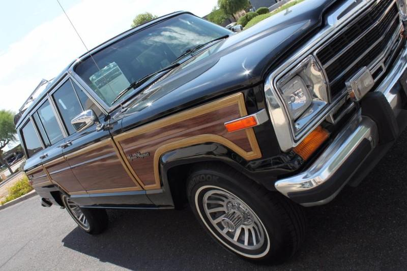 Used-1988-Jeep-Grand-Wagoneer-Limited-4X4-Lincoln