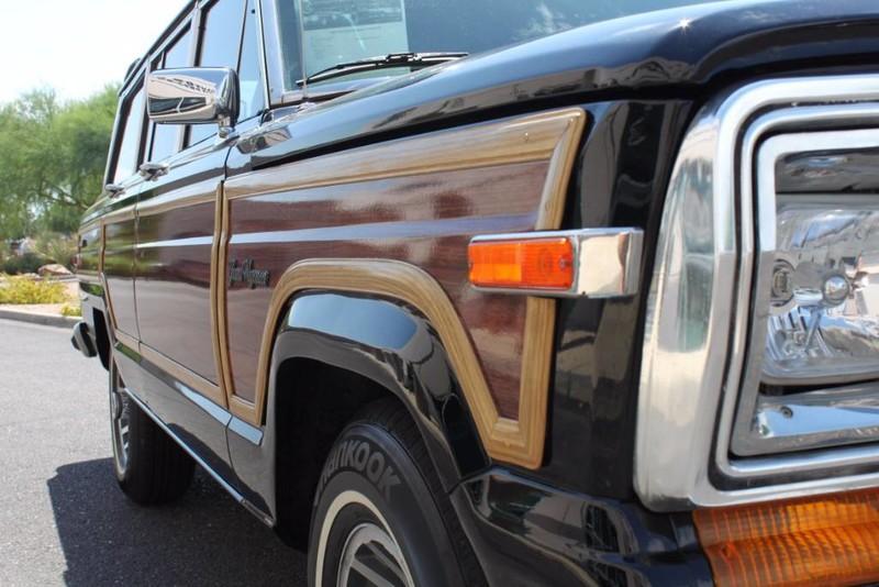 Used-1988-Jeep-Grand-Wagoneer-Limited-4X4-Range-Rover