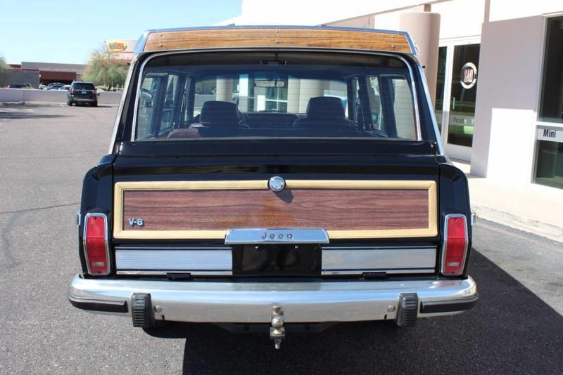 Used-1988-Jeep-Grand-Wagoneer-Limited-4X4-Classic