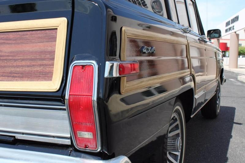 Used-1988-Jeep-Grand-Wagoneer-Limited-4X4-Jeep