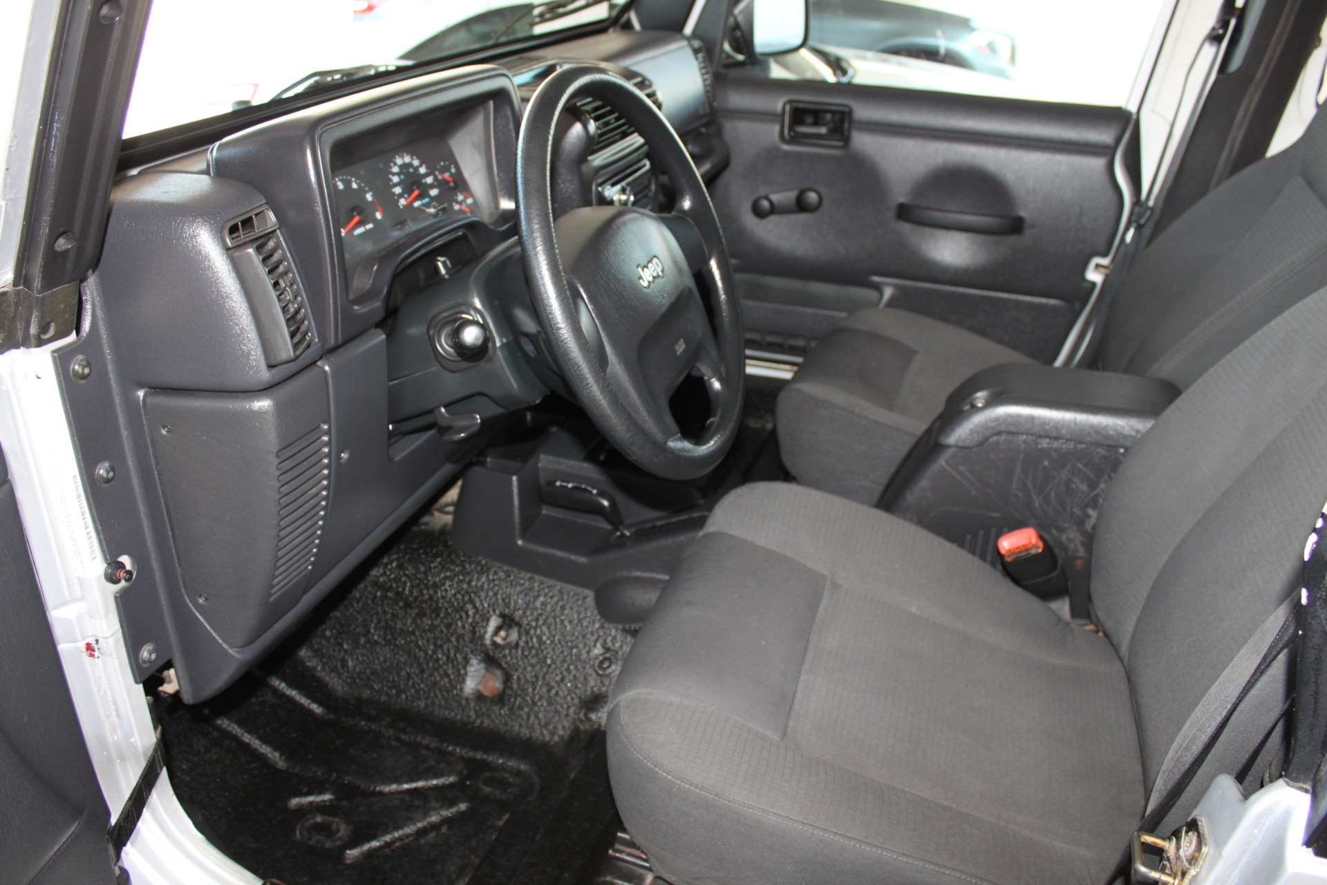 Used-2006-Jeep-Wrangler-Unlimited-LWB-Collector