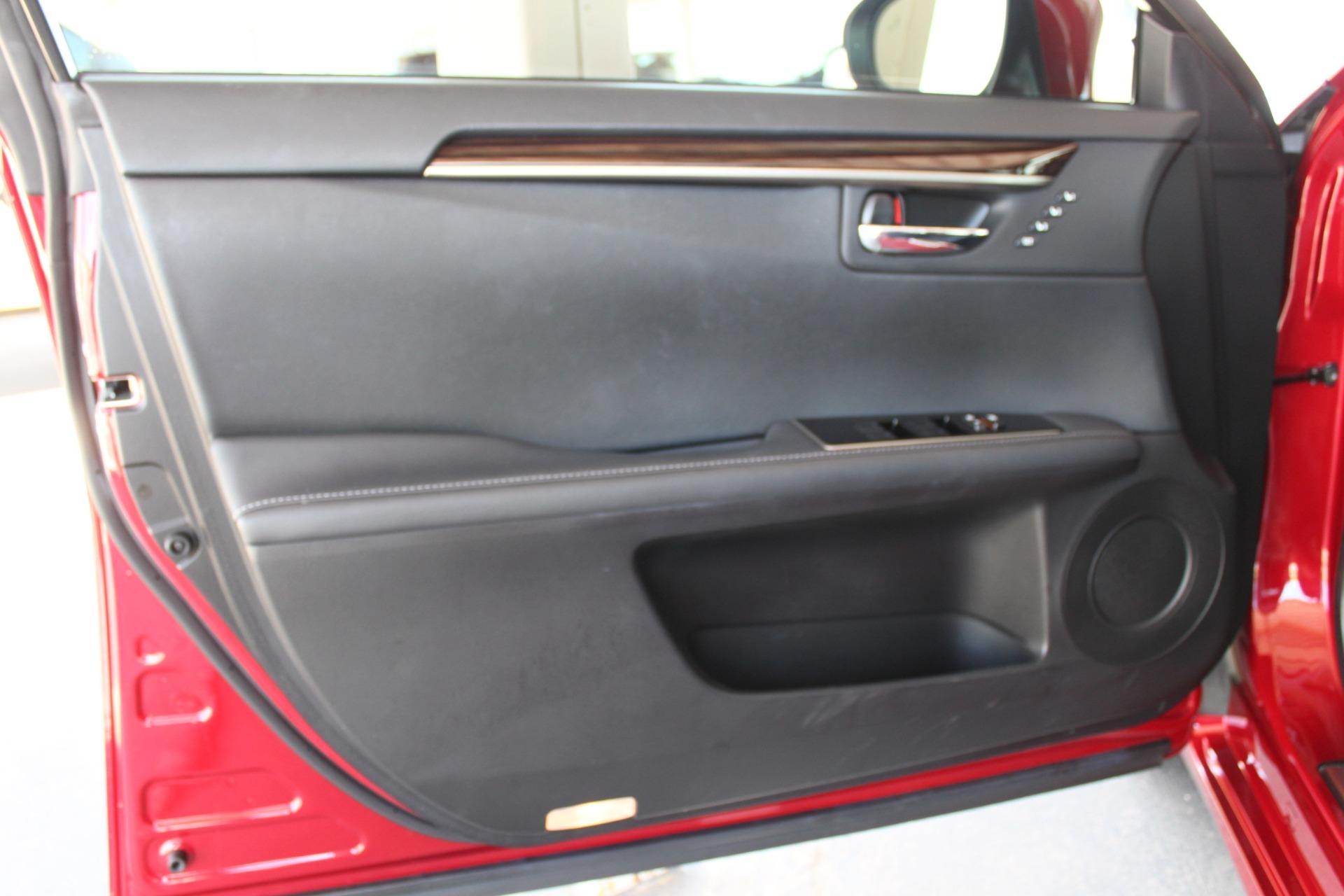 Used-2016-Lexus-ES-350-Tesla