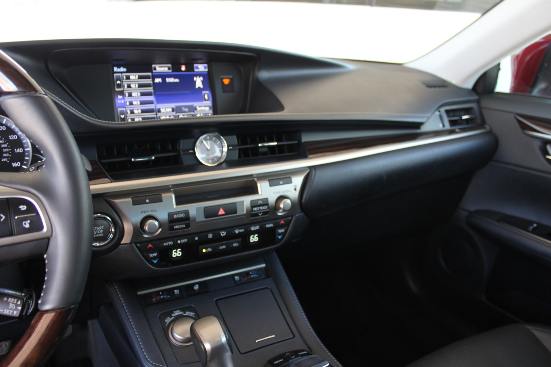 Used-2016-Lexus-ES-350-Jeep