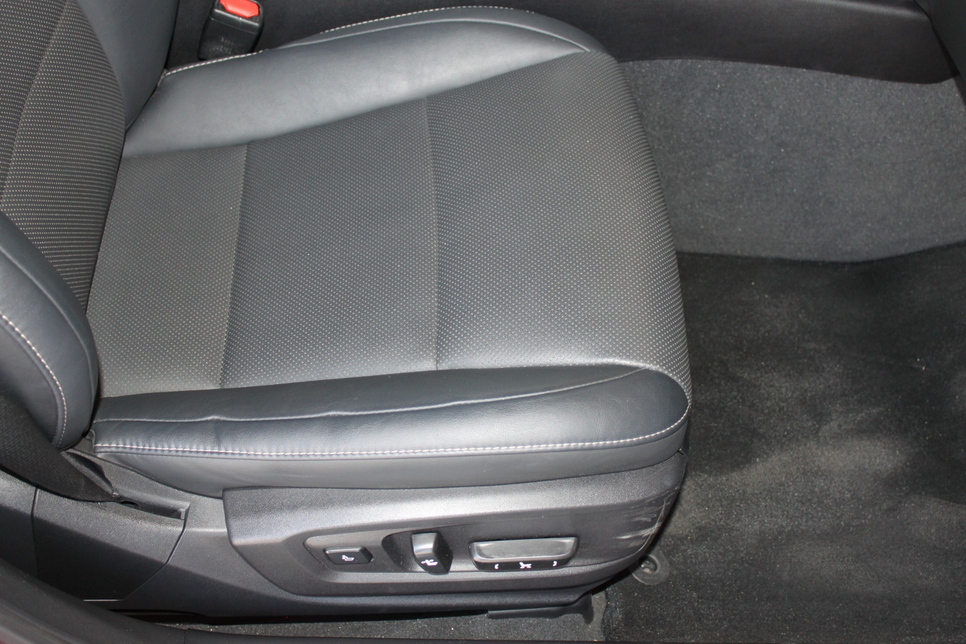 Used-2016-Lexus-ES-350-Dodge