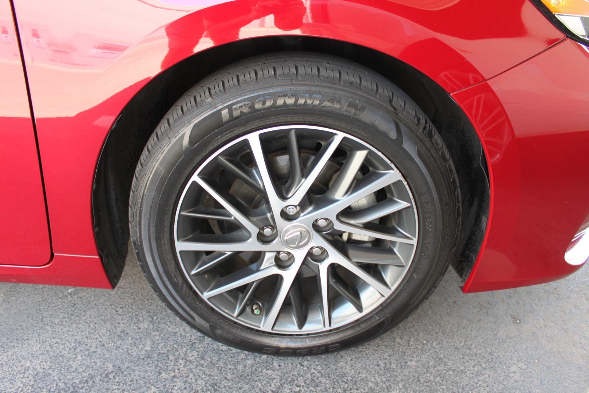 Used-2016-Lexus-ES-350-Lincoln