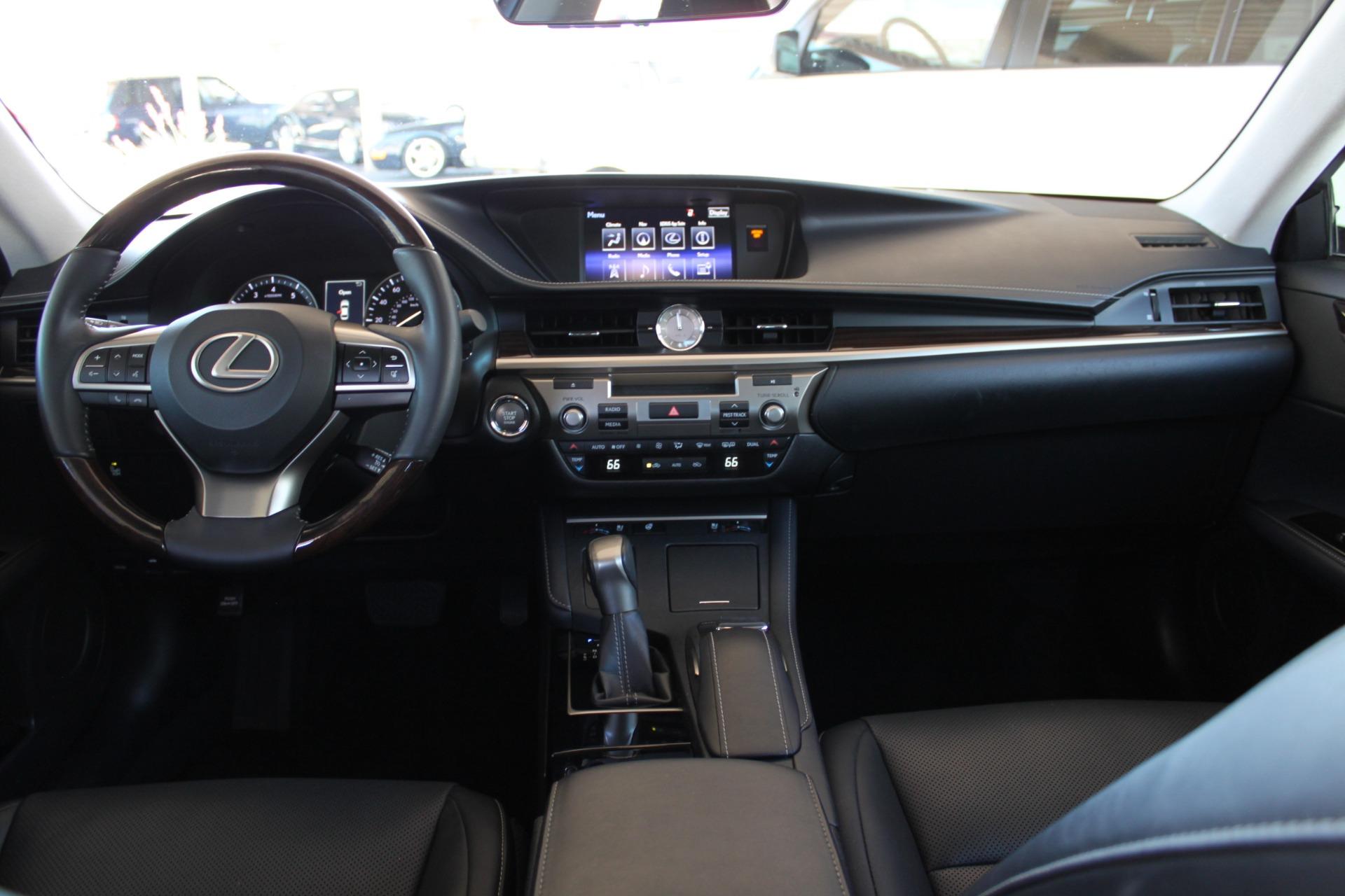 Used-2016-Lexus-ES-350-BMW