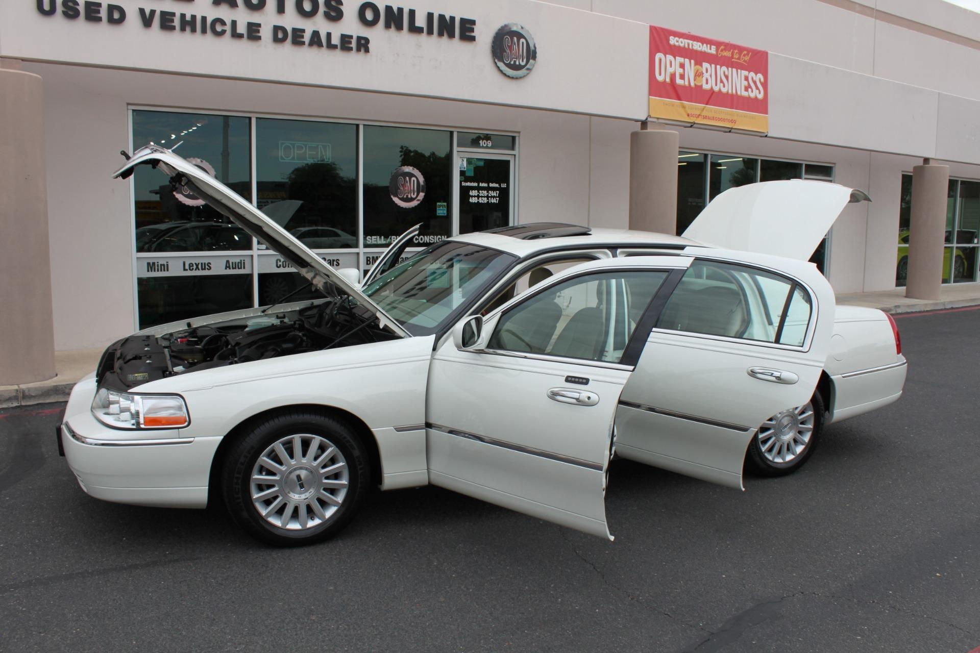 Used-2004-Lincoln-Town-Car-Ultimate-Honda