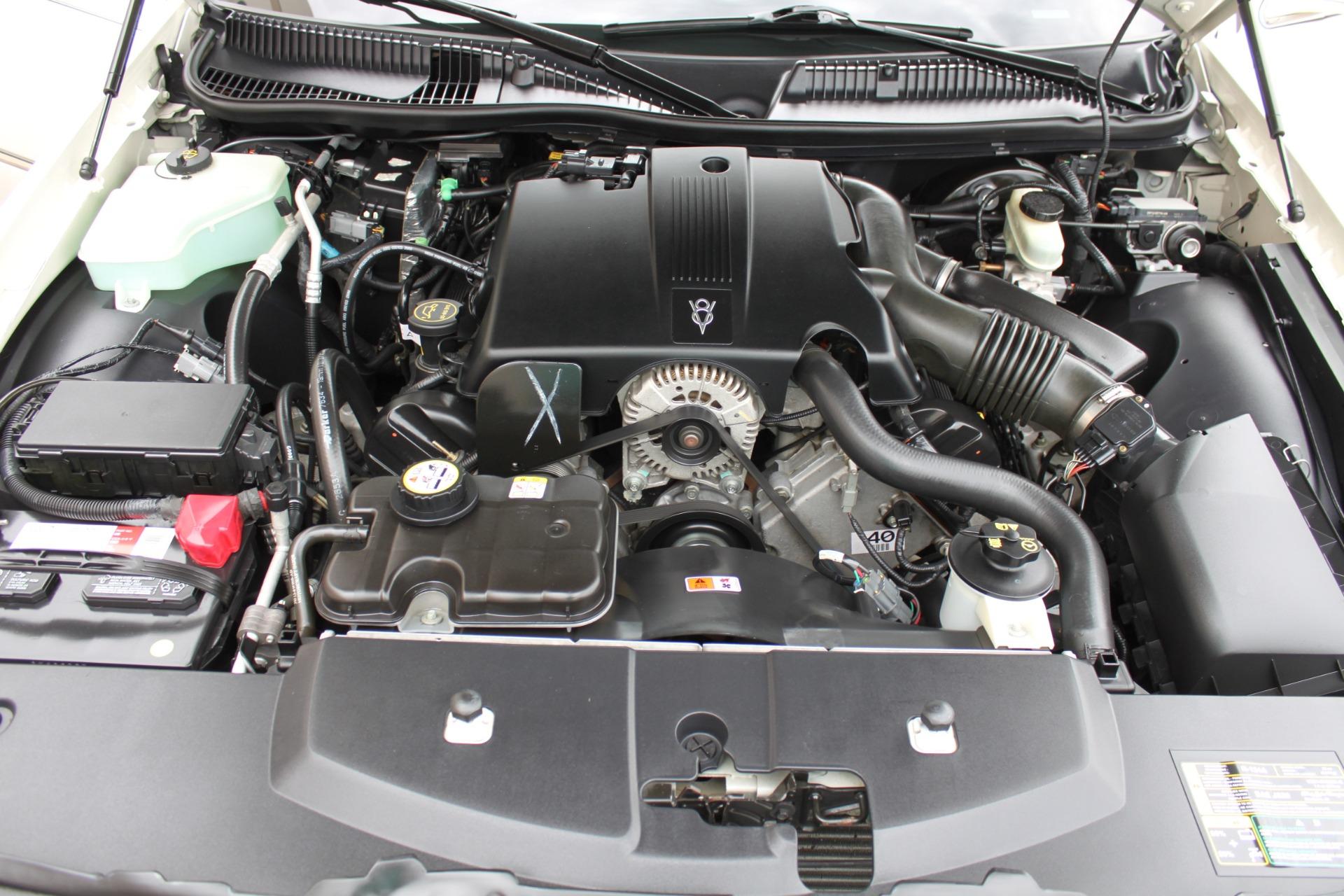 Used-2004-Lincoln-Town-Car-Ultimate-Jaguar