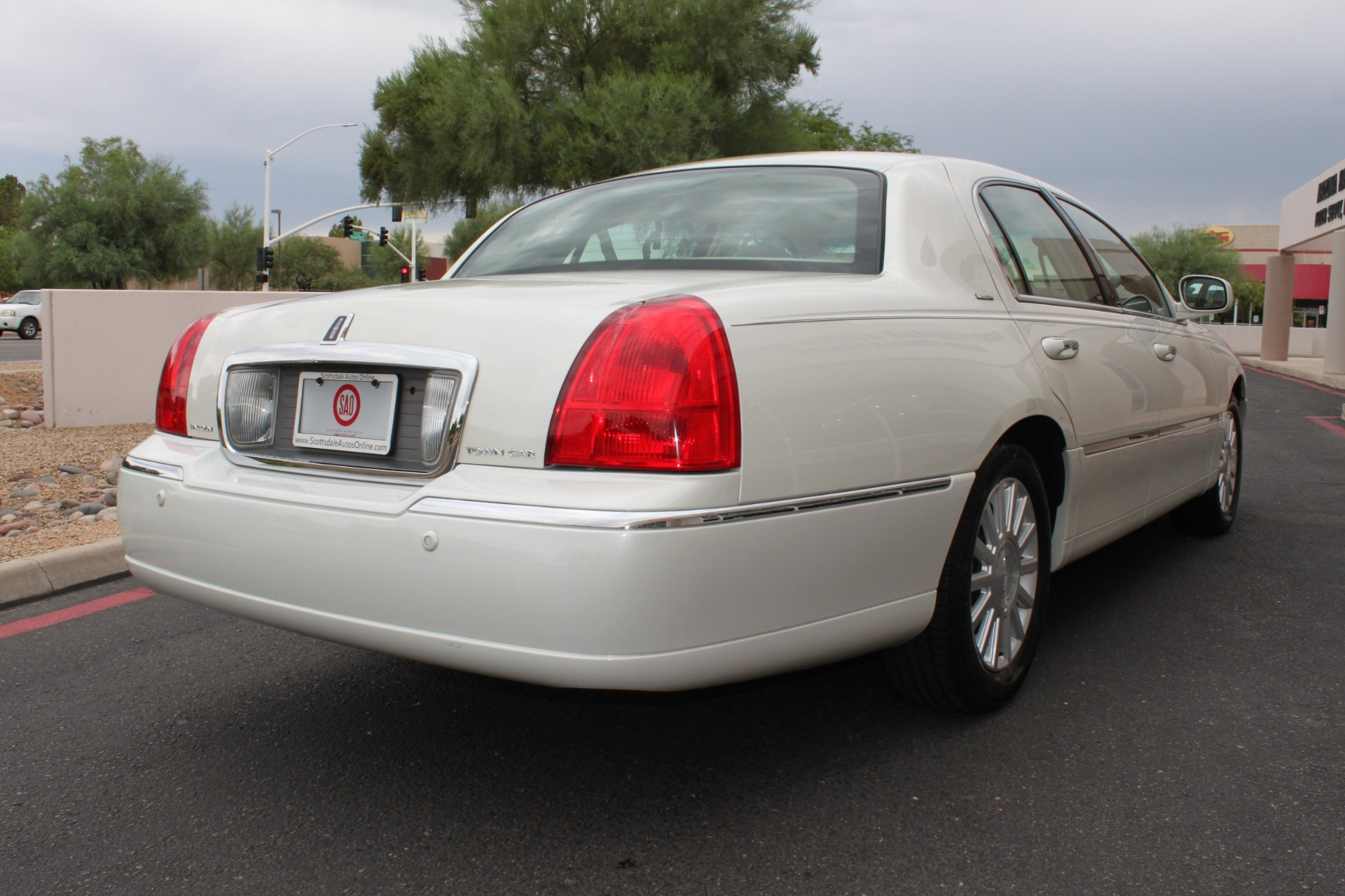 Used-2004-Lincoln-Town-Car-Ultimate-Chrysler