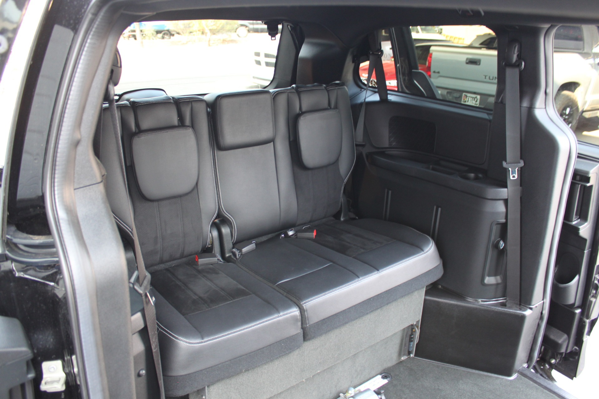 Used-2018-Dodge-Grand-Caravan-SXT-Rollx-Mobility-Conversion-Mercedes-Benz