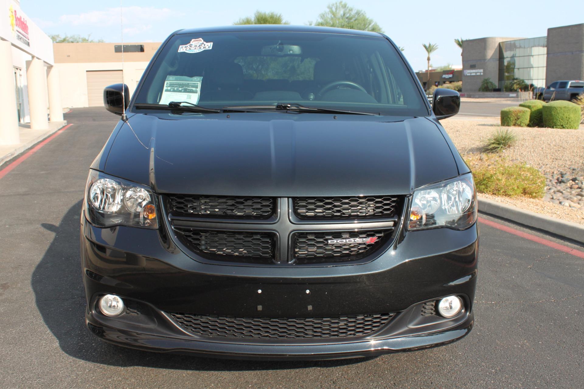 Used-2018-Dodge-Grand-Caravan-SXT-Rollx-Mobility-Conversion-Grand-Cherokee