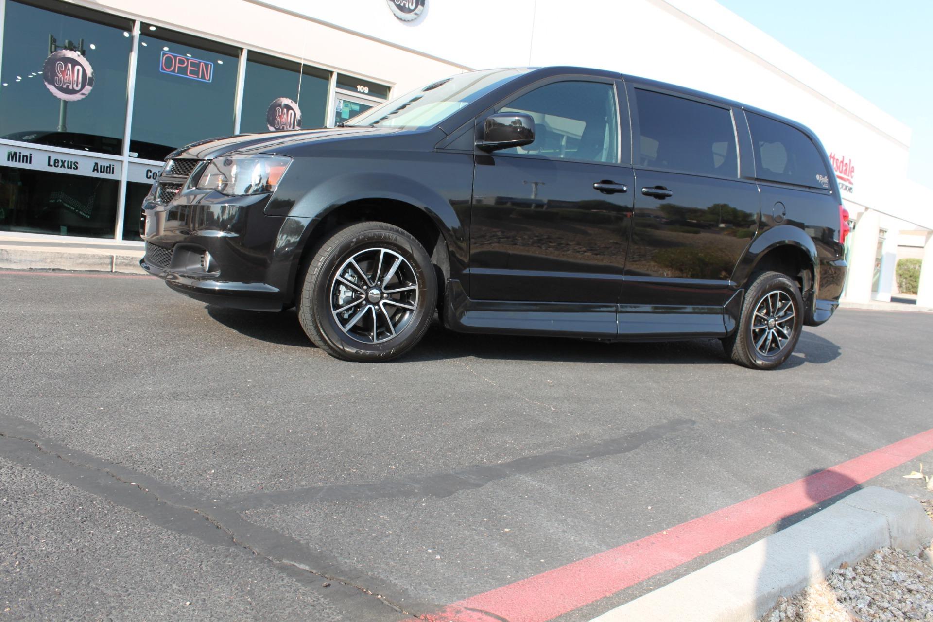 Used-2018-Dodge-Grand-Caravan-SXT-Rollx-Mobility-Conversion-Audi