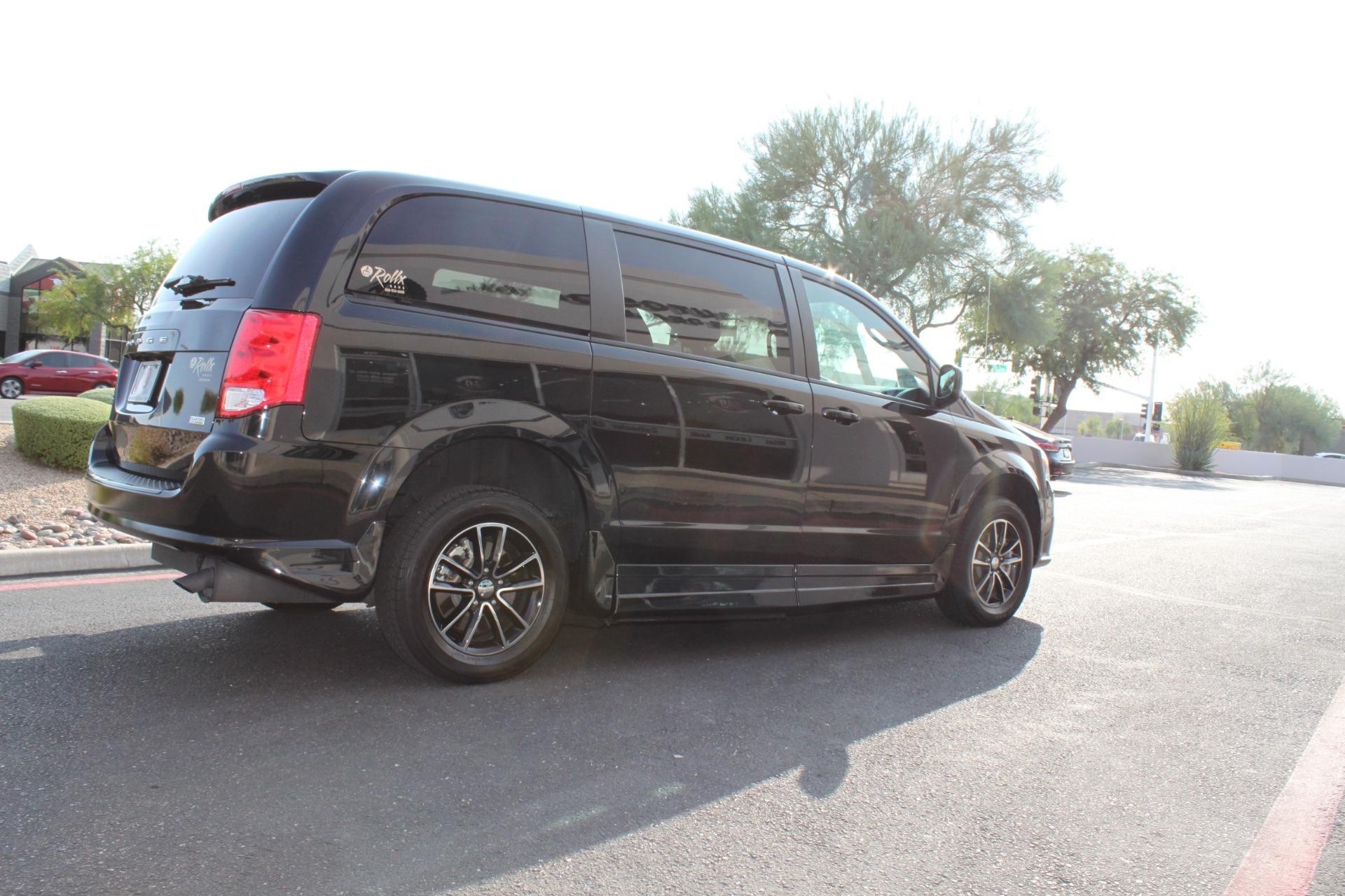 Used-2018-Dodge-Grand-Caravan-SXT-Rollx-Mobility-Conversion-Dodge