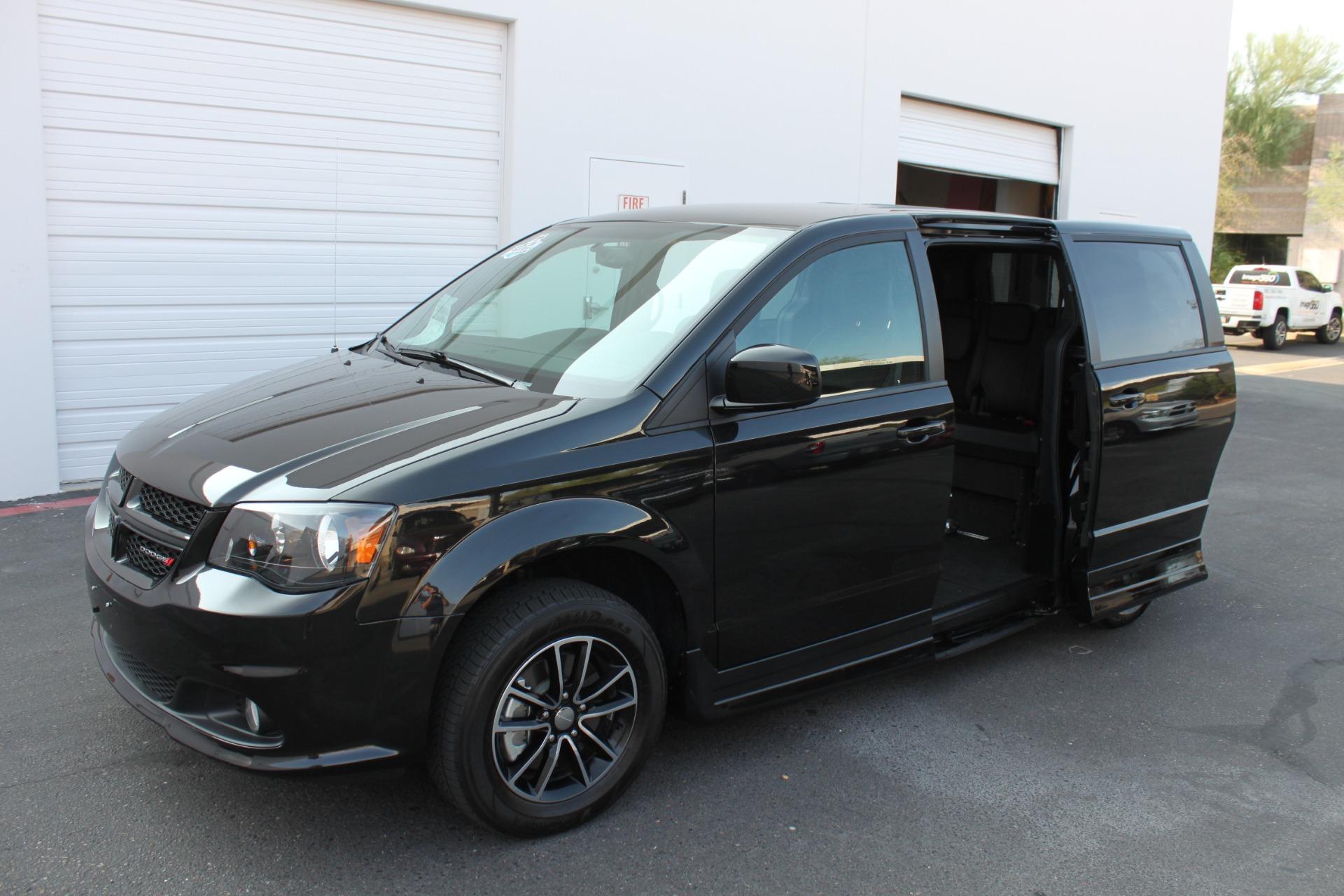 Used-2018-Dodge-Grand-Caravan-SXT-Rollx-Mobility-Conversion-Chevelle
