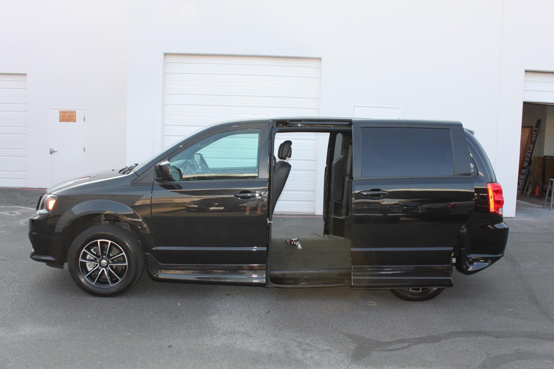 Used-2018-Dodge-Grand-Caravan-SXT-Rollx-Mobility-Conversion-LS430