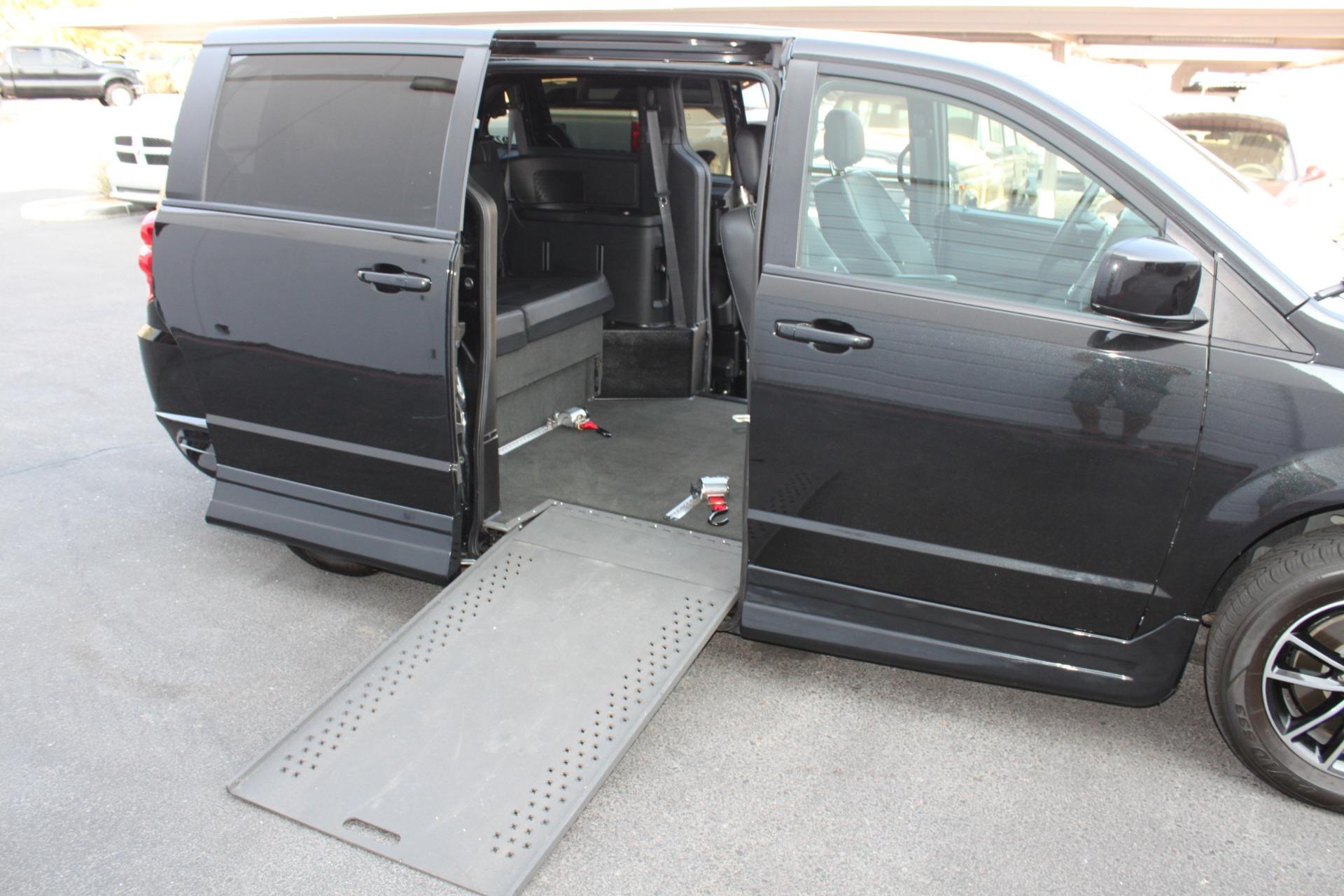 Used-2018-Dodge-Grand-Caravan-SXT-Rollx-Mobility-Conversion-Land-Cruiser