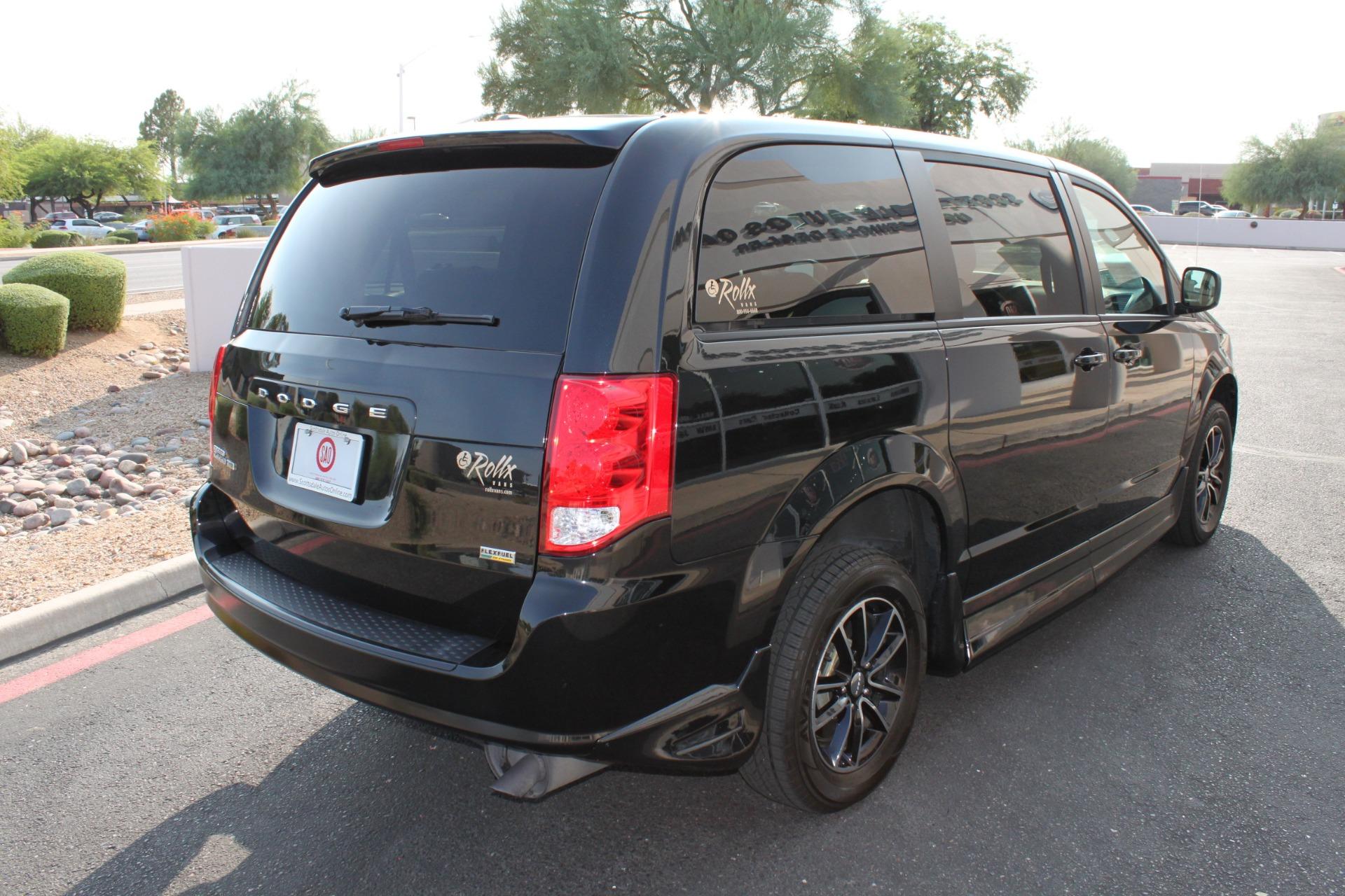 Used-2018-Dodge-Grand-Caravan-SXT-Rollx-Mobility-Conversion-Classic