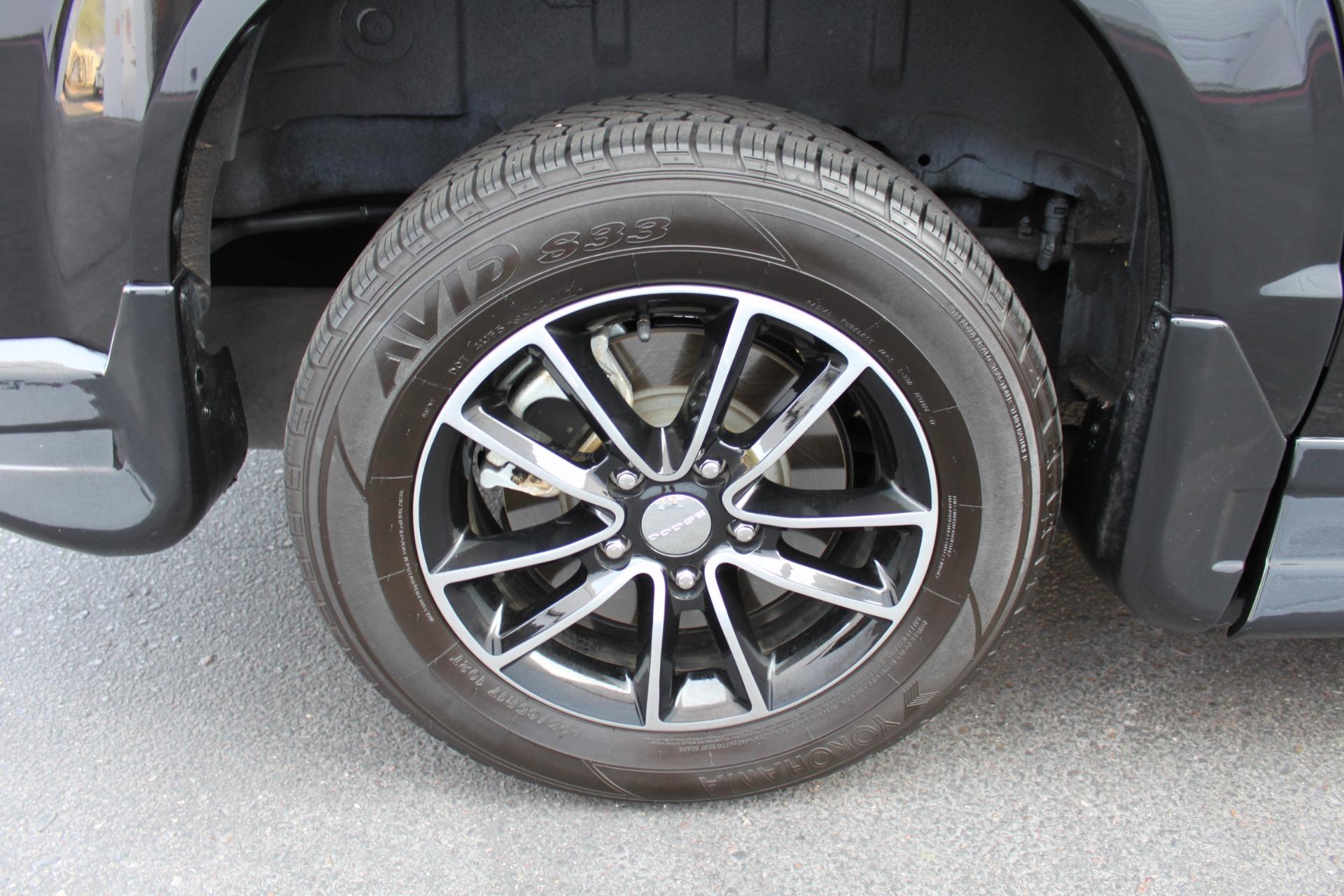 Used-2018-Dodge-Grand-Caravan-SXT-Rollx-Mobility-Conversion-Chalenger