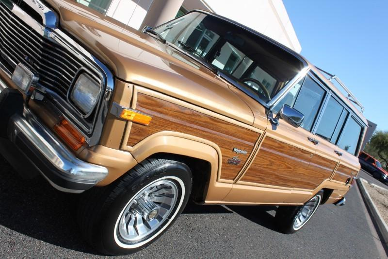 Used-1983-Jeep-Wagoneer-Limited-4X4-New-Porsche-IL