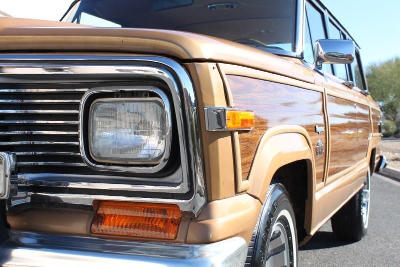 Used-1983-Jeep-Wagoneer-Limited-4X4-Audi
