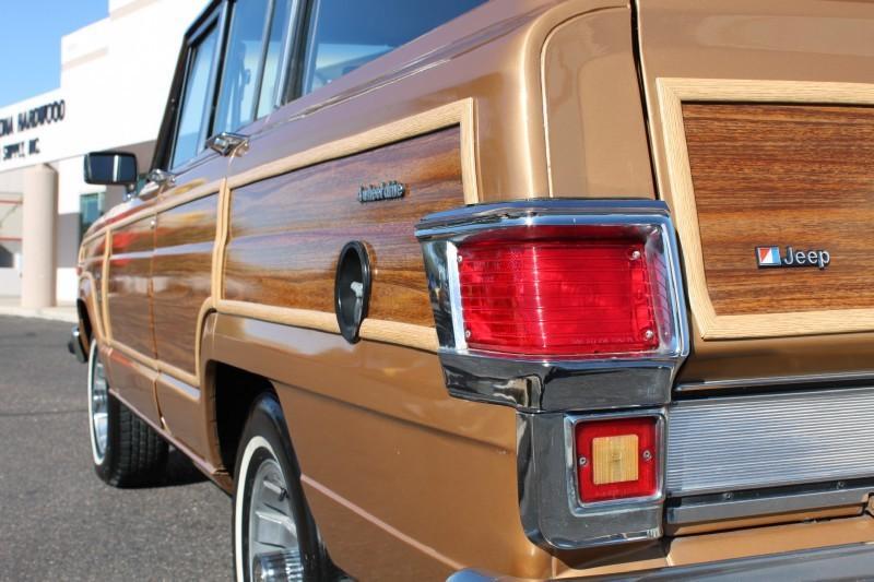 Used-1983-Jeep-Wagoneer-Limited-4X4-Jeep
