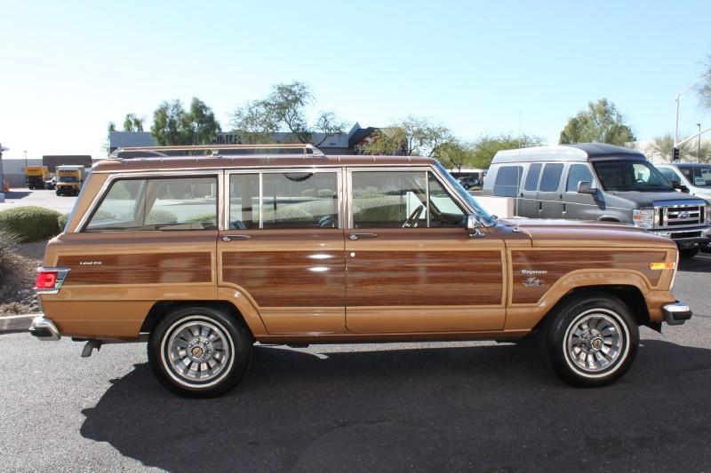 Used-1983-Jeep-Wagoneer-Limited-4X4-Chevrolet-Dealer-Vernon-Hills