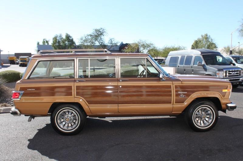 Used-1983-Jeep-Wagoneer-Limited-4X4-vintage