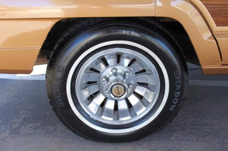 Used-1983-Jeep-Wagoneer-Limited-4X4-Chrysler