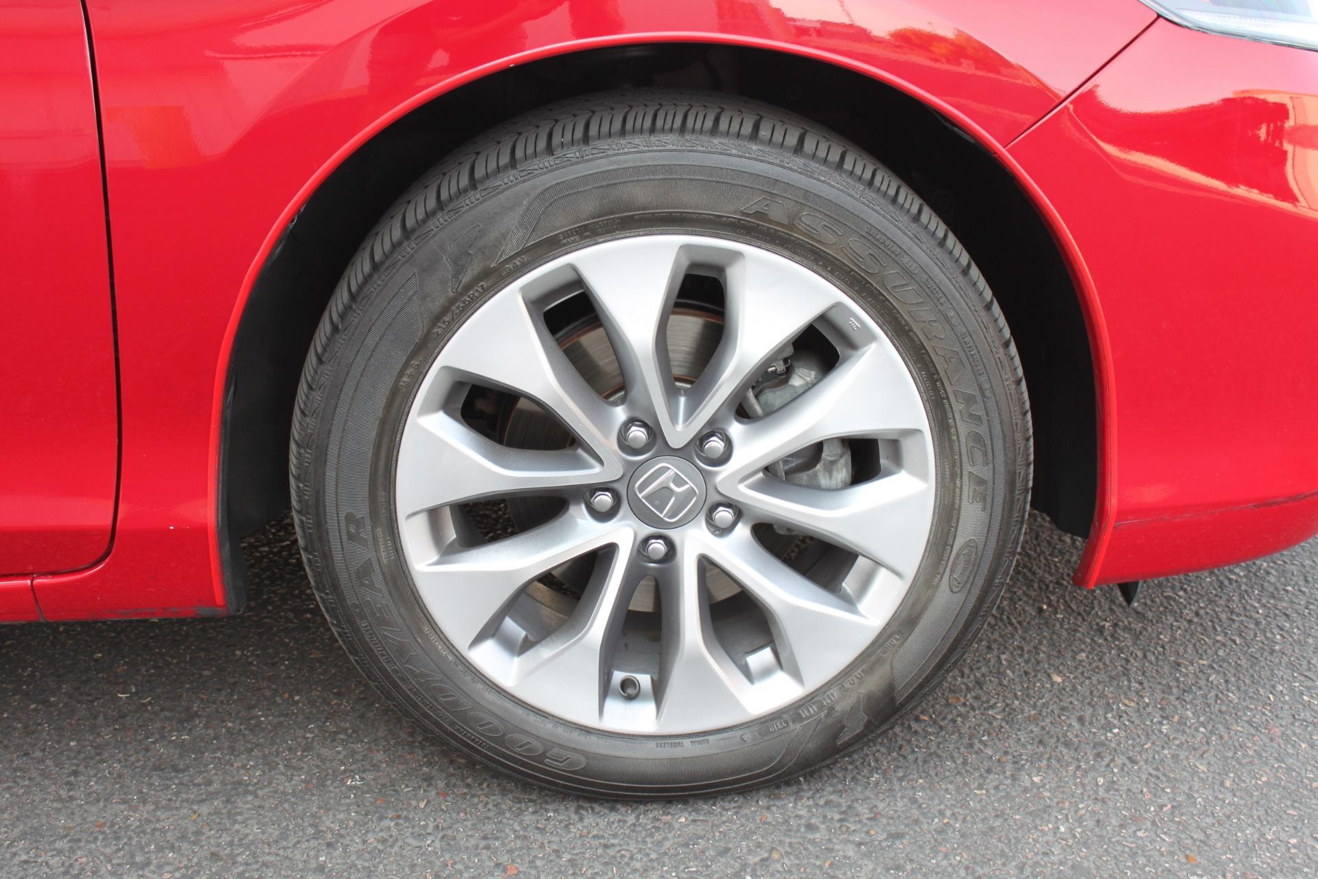 Used-2013-Honda-Accord-Coupe-EX-L-w/Nav-Dodge