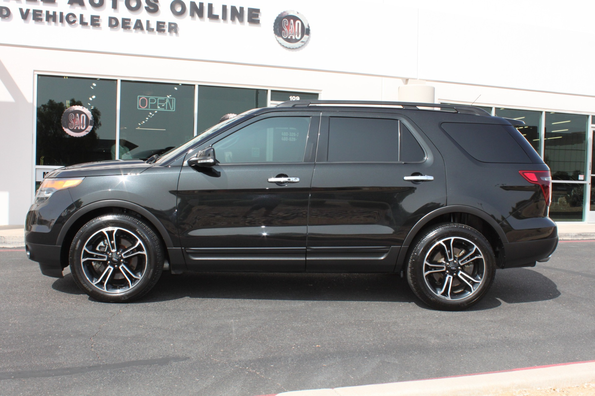 Used-2014-Ford-Explorer-Sport-4WD-Wagoneer