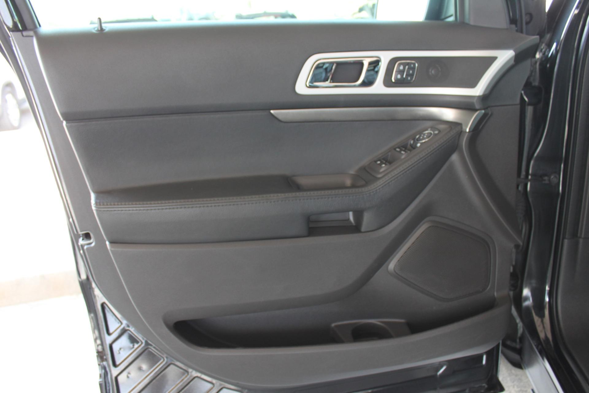 Used-2014-Ford-Explorer-Sport-4WD-Ferrari