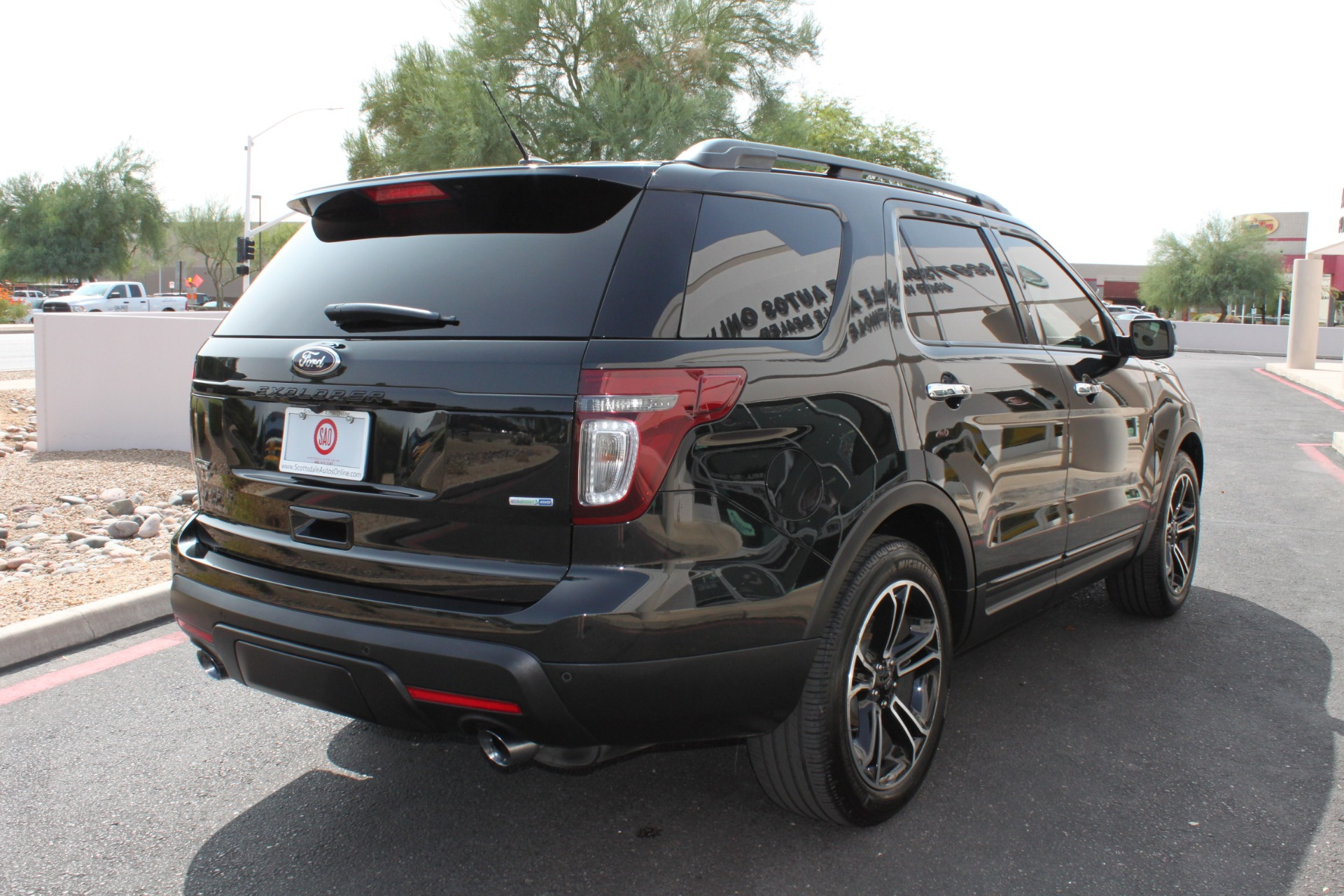 Used-2014-Ford-Explorer-Sport-4WD-Classic