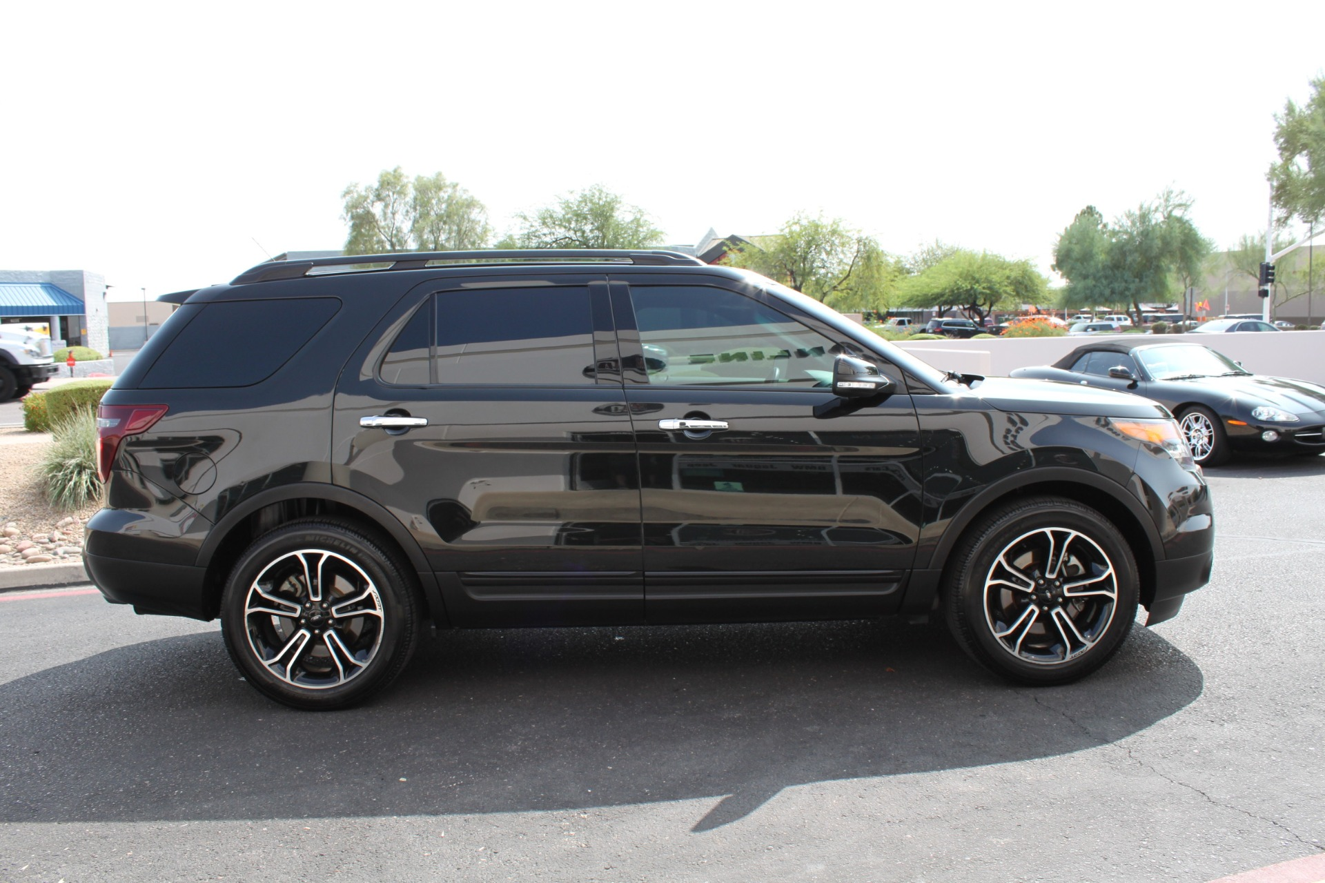 Used-2014-Ford-Explorer-Sport-4WD-Collector