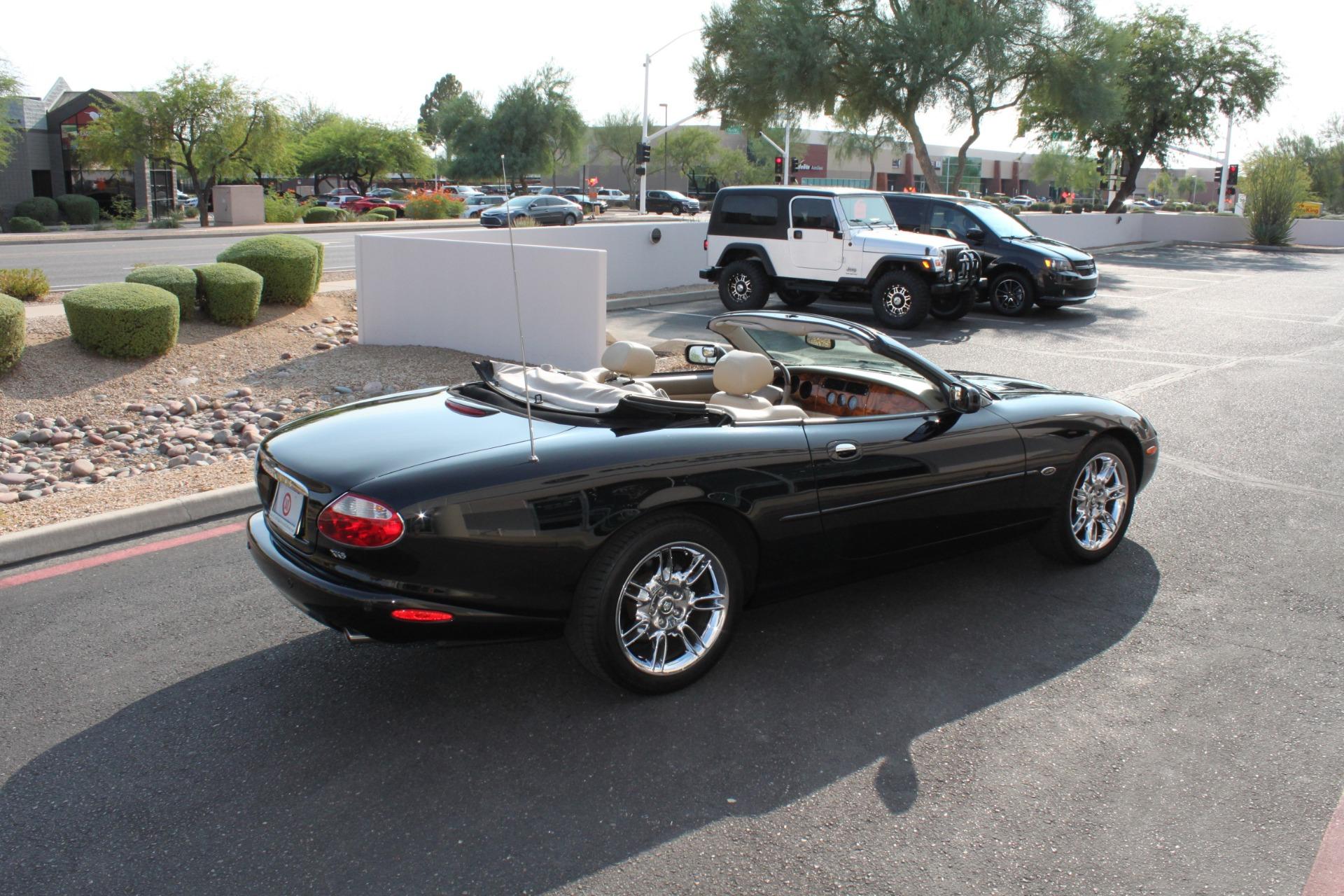 Used-2002-Jaguar-XK8-Convertible-XK8-Mini