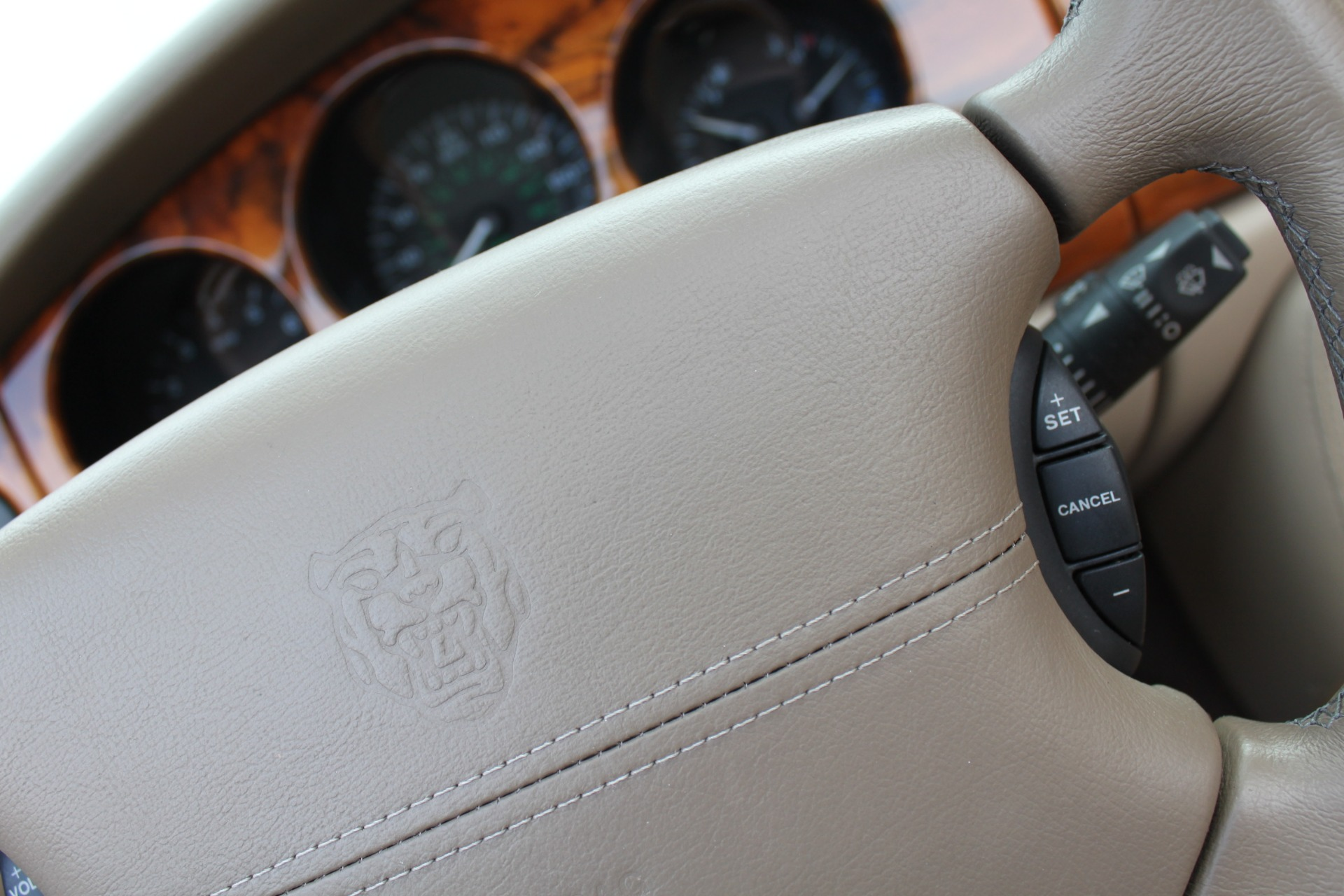 Used-2002-Jaguar-XK8-Convertible-XK8-Jeep