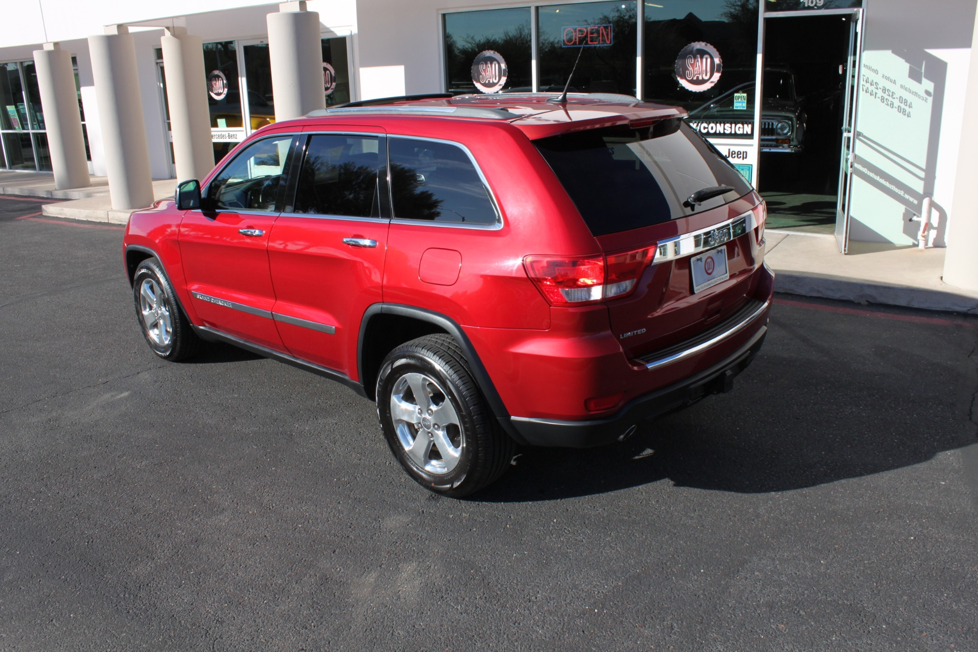 Used-2011-Jeep-Grand-Cherokee-Limited-Chalenger