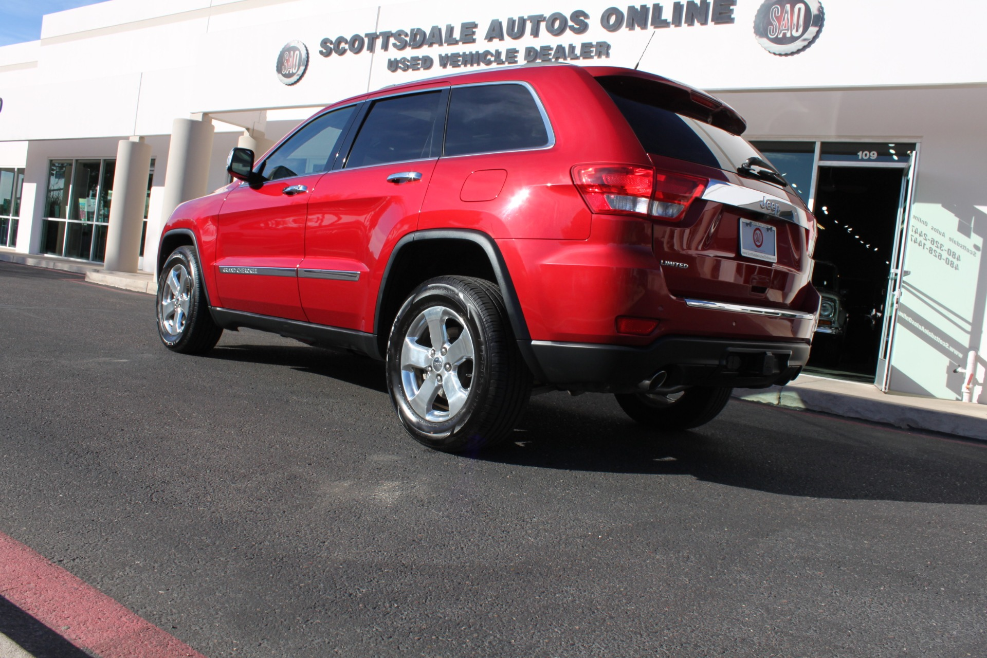 Used-2011-Jeep-Grand-Cherokee-Limited-Dodge