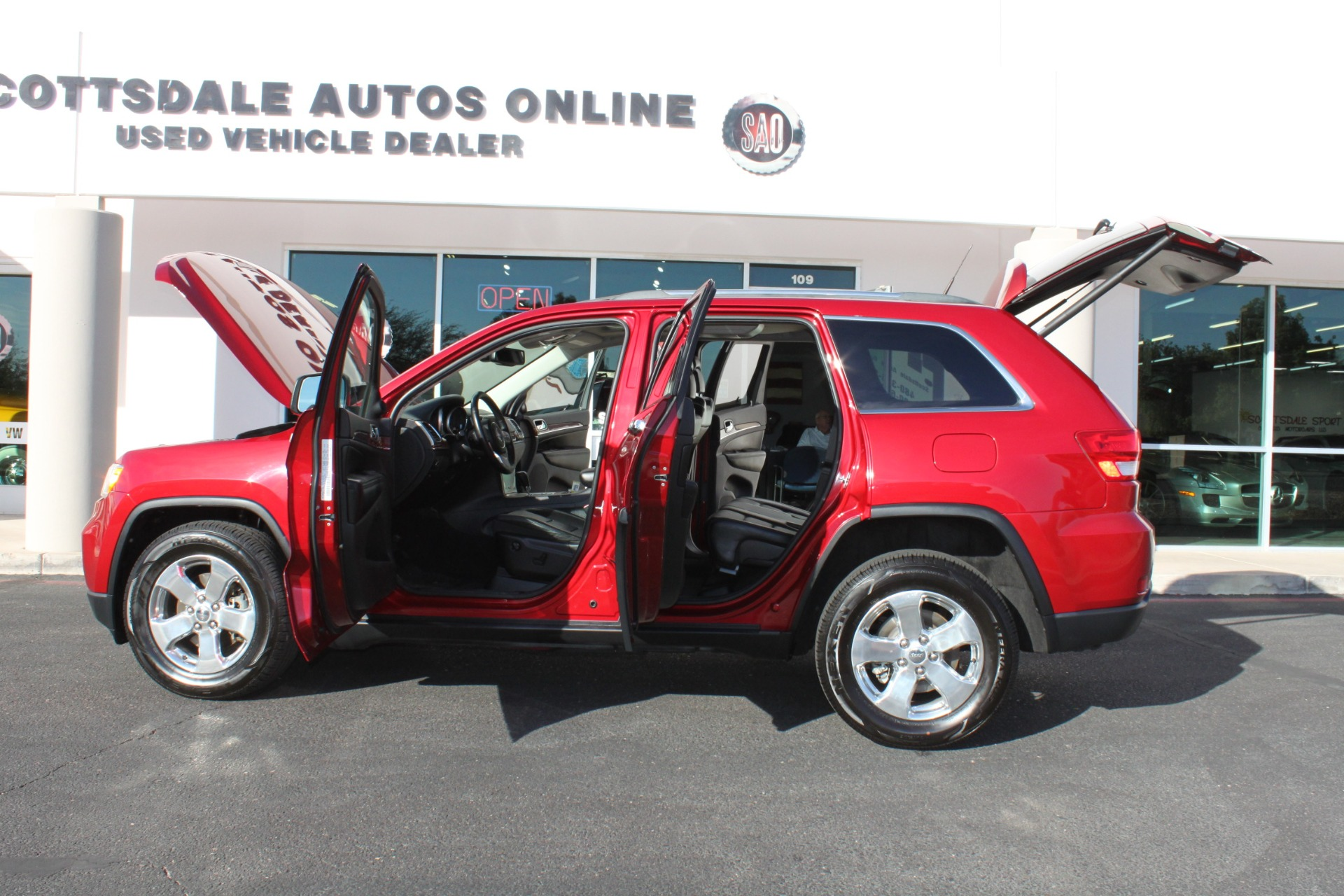 Used-2011-Jeep-Grand-Cherokee-Limited-LS400