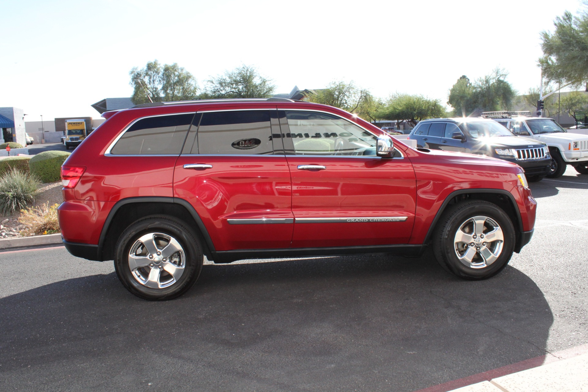 Used-2011-Jeep-Grand-Cherokee-Limited-Chrysler