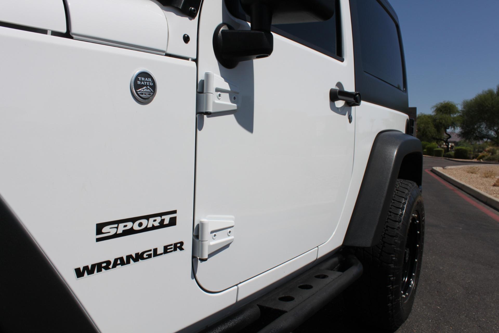 Used-2014-Jeep-Wrangler-Sport-4X4-LS400