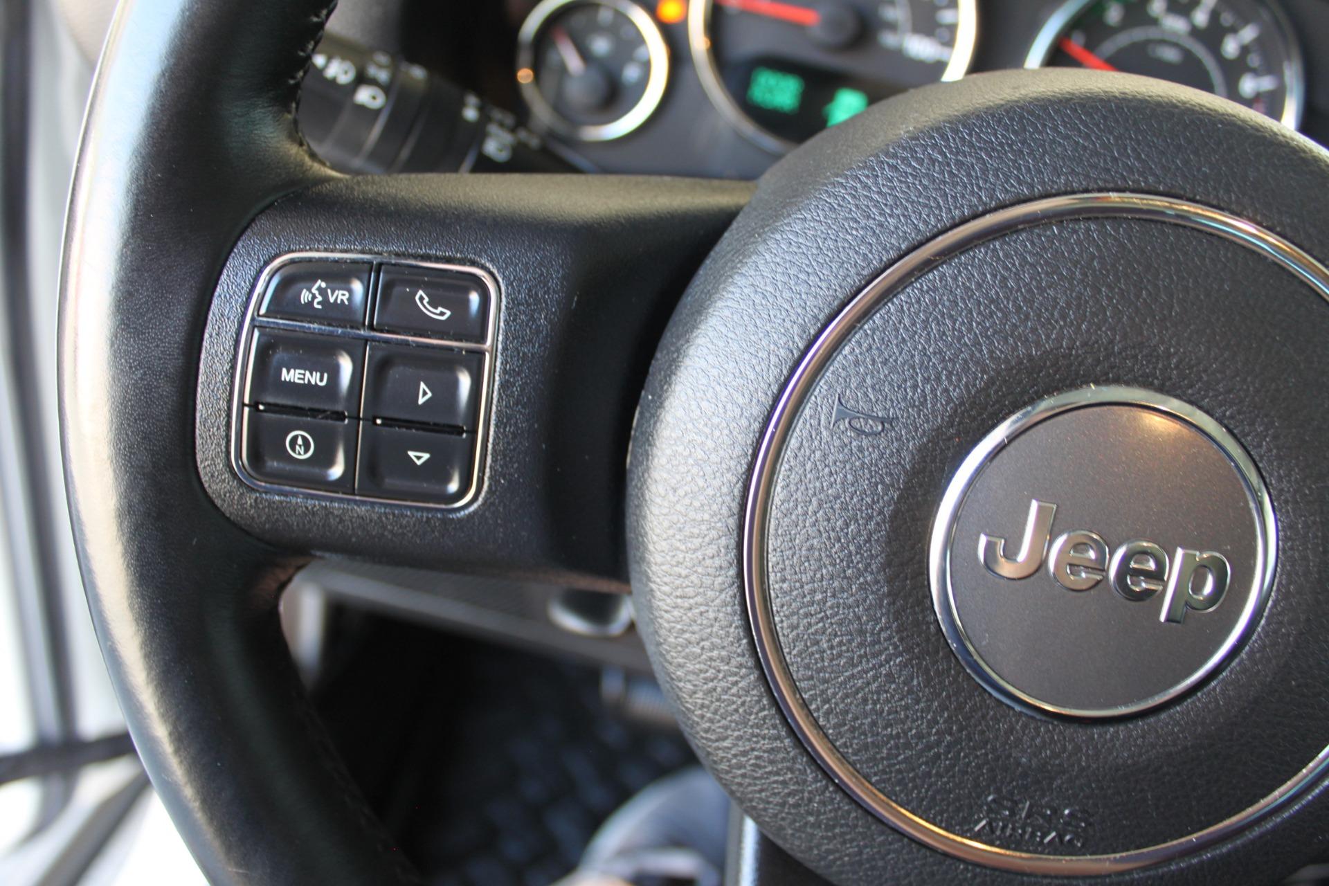 Used-2014-Jeep-Wrangler-Sport-4X4-Range-Rover